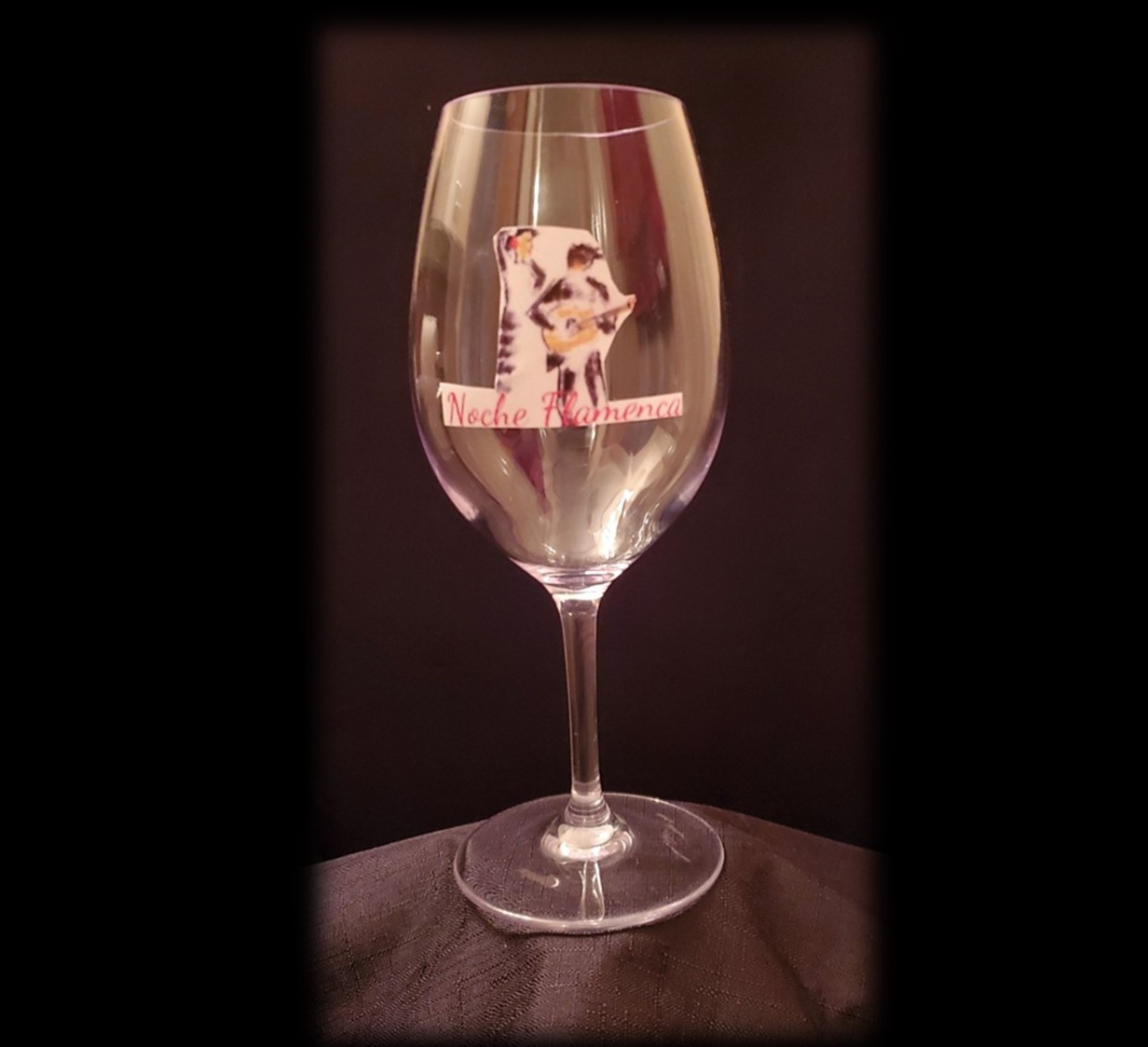 Noche Flamenca Wine Glass